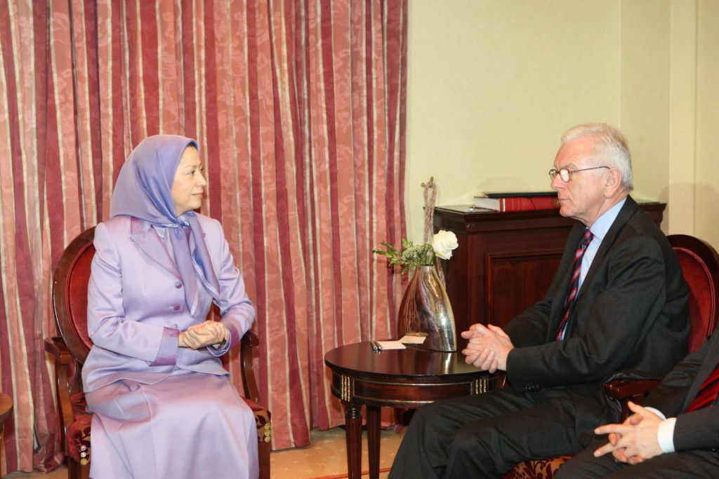 ملاقات یکی از رهبران حزب دمکرات مسیحی با مریم رجوی