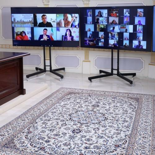 سخنرانی استیو مک کیب نماینده پارلمان انگلستان درکنفرانس اینترنتی در بهمناسبت روز جهانی زن- ۱۸اسفند ۱۳۹۹