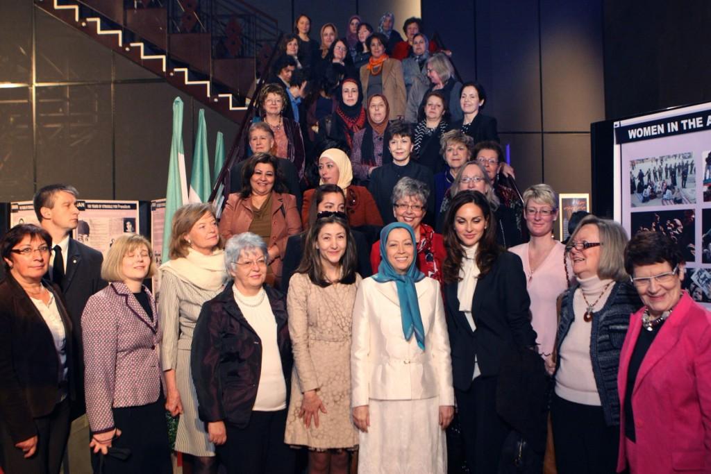 سخنرانی در کنفرانس زنان نیروی تغییر در پاریس بهمناسبت روز جهانی زن