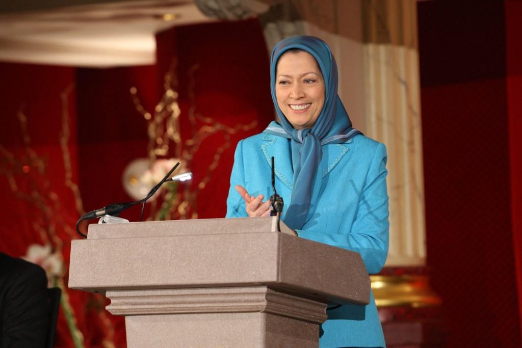 ملت ایران یکصدا میگویند: خامنهای باید برود