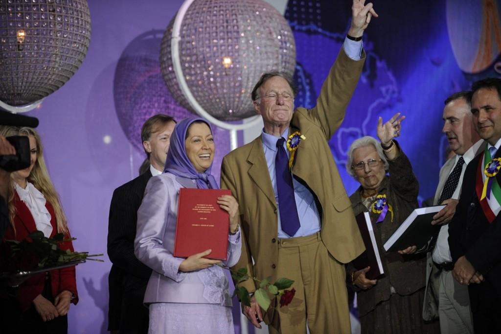 سخنرانی در گردهمایی بزرگ ایرانیان در پاریس