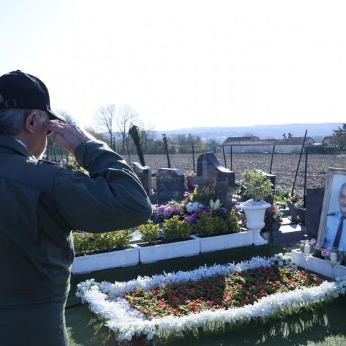 ادای احترام به قهرمان ملی، خلبان مجاهد، سرهنگ  بهزاد معزی